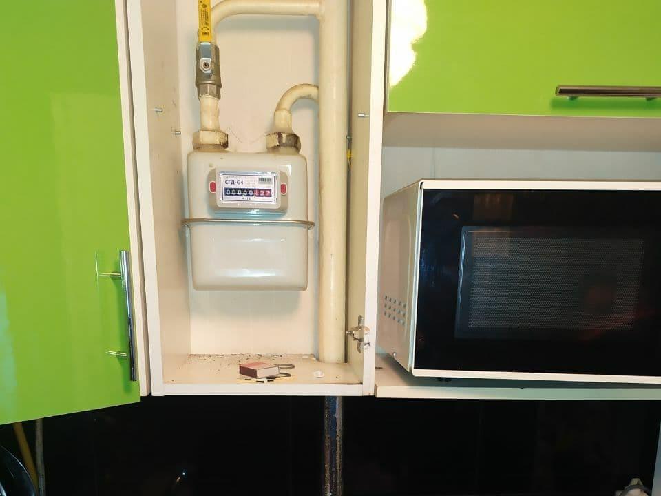 Газовый счетчик в шкафу