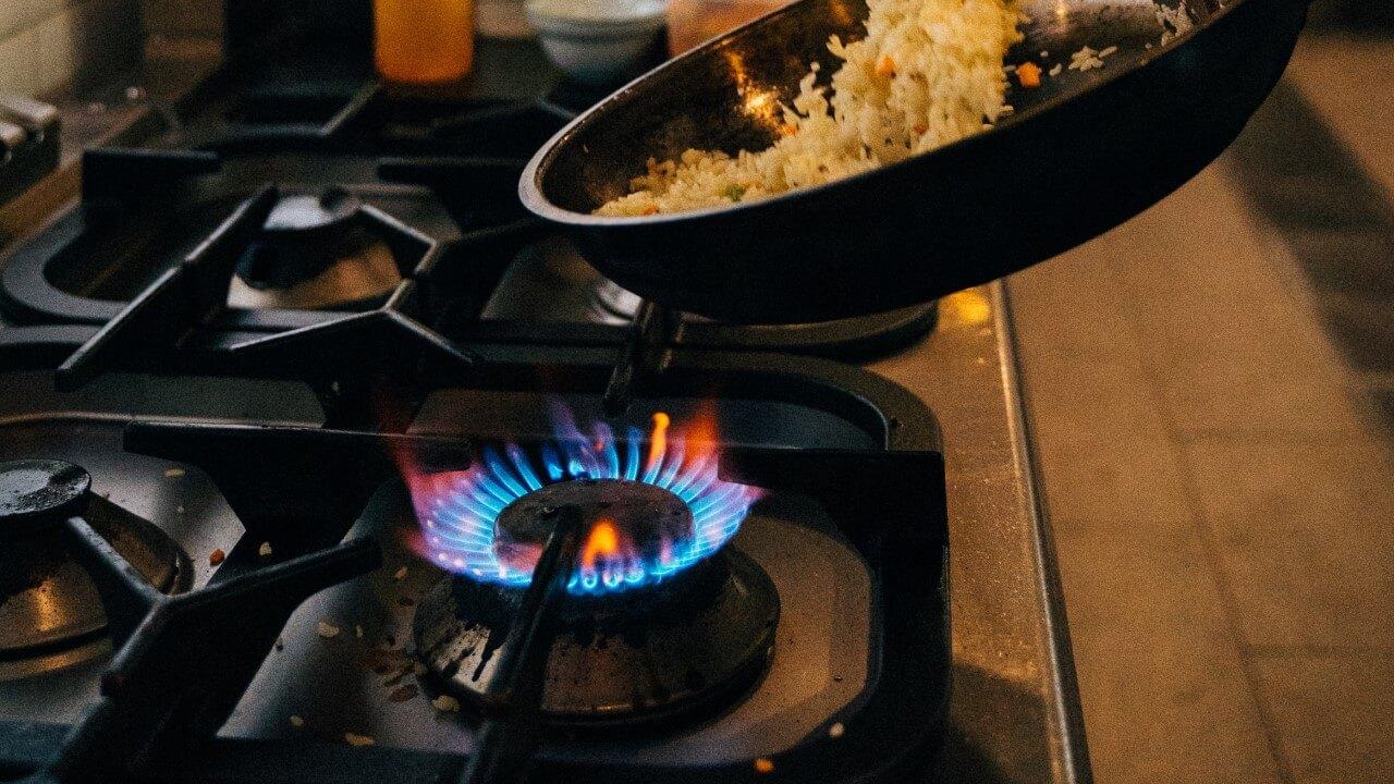 Главное перенсти газовую плиту в удобное для вас место